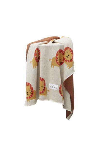 fabliek lion knitted blanket