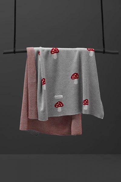 fabliek mushroom toadstool knitted blanket