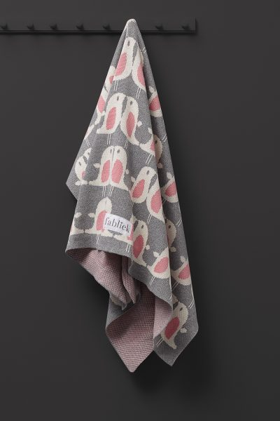 fabliek pink birds knitted blanket