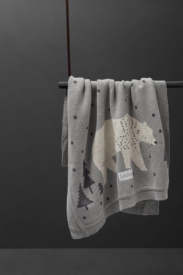 fabliek ursa major bear knitted blanket